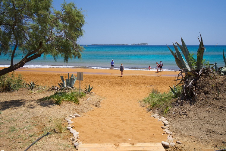 Grand Blue Beach Residences: Ammos